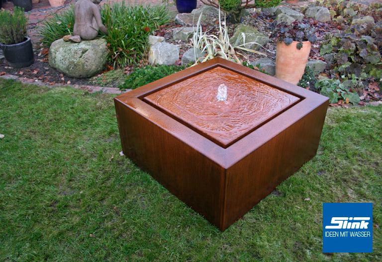 Cortenstahlbrunnen Corten-Wassertisch